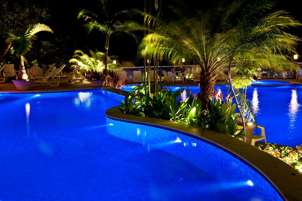 Iluminação para Piscinas e Jardins  wwwlighttechcombr Ap