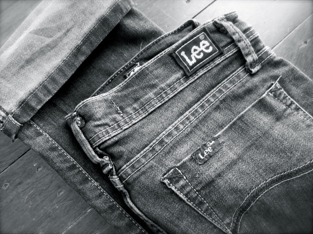 lee jeans | Le Fanciulle di Steph and Trish | Flickr