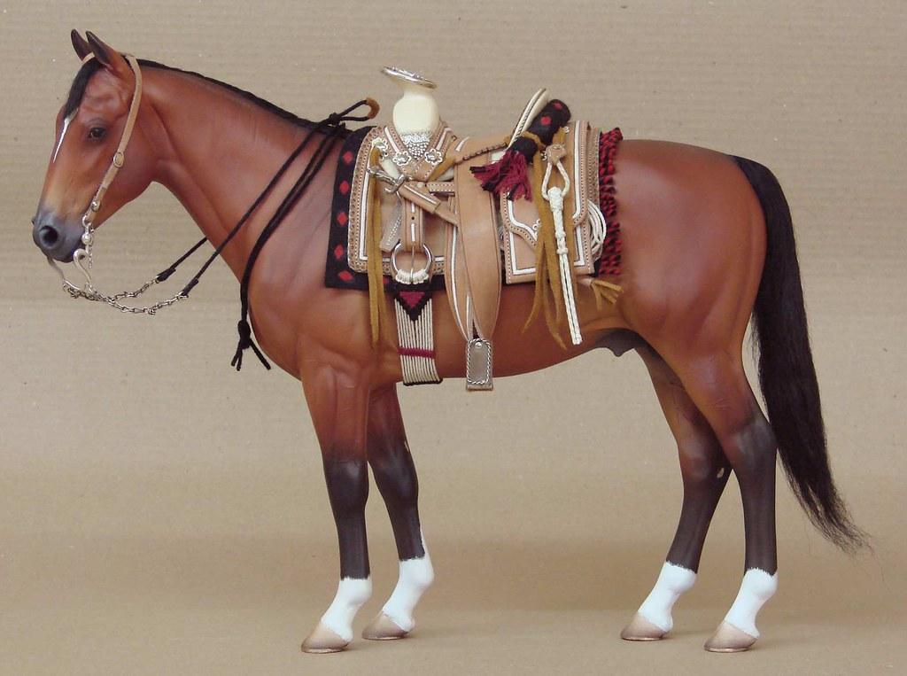 Silla charra bordada escala 1 6 bordada en pita herraje for Monturas para caballos