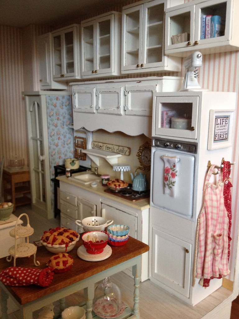Cabinets are hung :) | 1:12 scale dollhouse kitchen | Kim ...