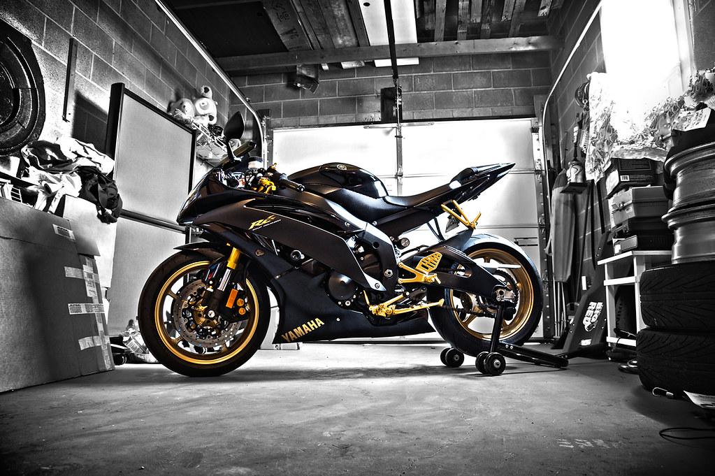 Yamaha Raven Black
