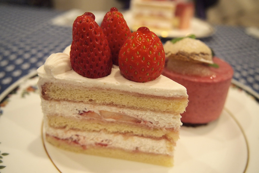 Difference Between Strawberry Shortcake And Angel Food Cake