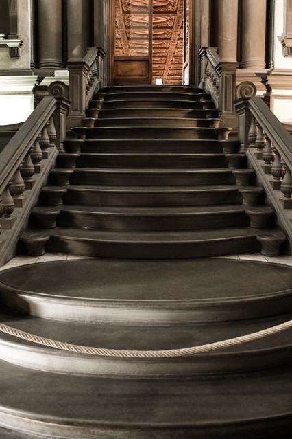 Escalera de la biblioteca medicea laurenziana proyectada - Escalera de biblioteca ...