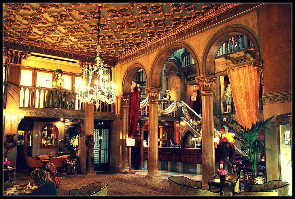 Luxury Hotel Finder
