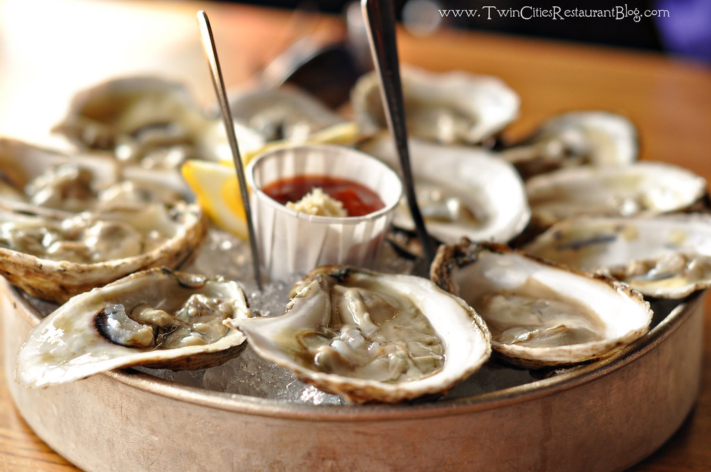 Blue point oysters at stella 39 s fish cafe minneapolis mn for Stellas fish cafe