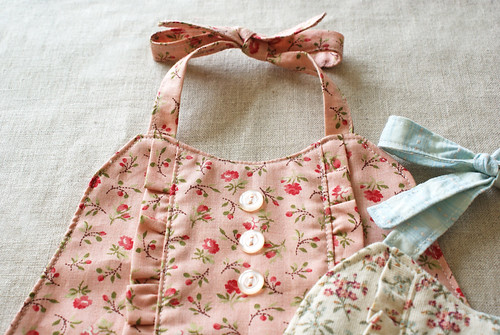 french general ruffle baby bib | by nanaCompany
