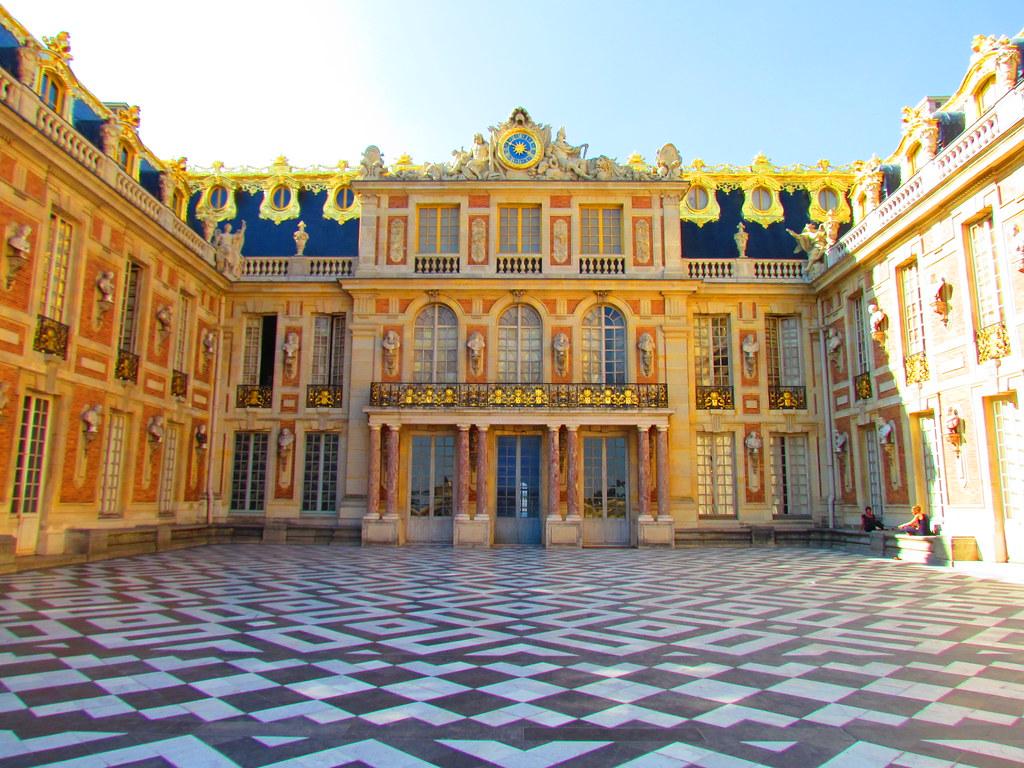 Cour int rieure ch teau de versailles dan flickr for Chateau de versailles interieur