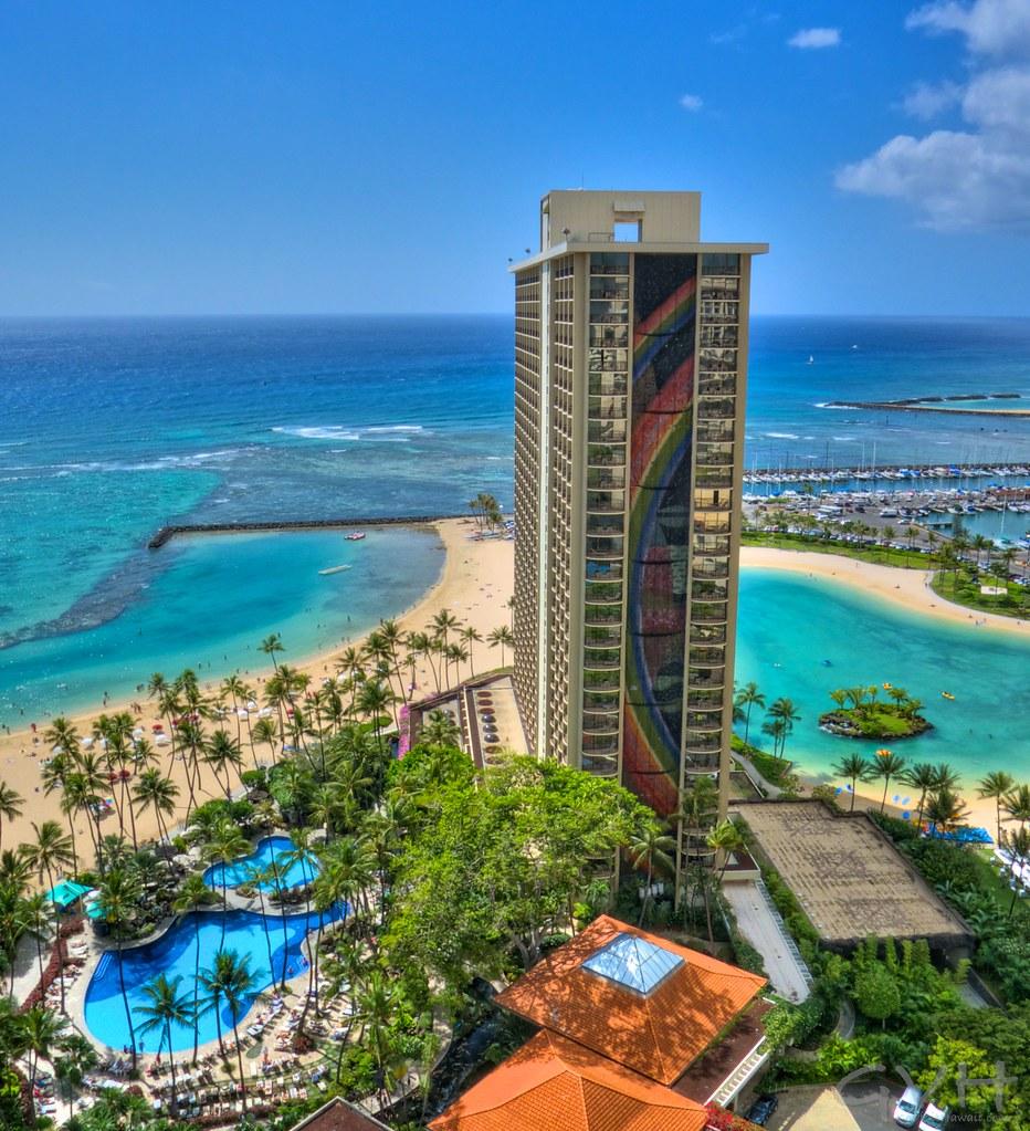 Hilton Hawaiian Village Waikiki Beach Photo Gallery: Rainbow Tower At Hilton Hawaiian Village