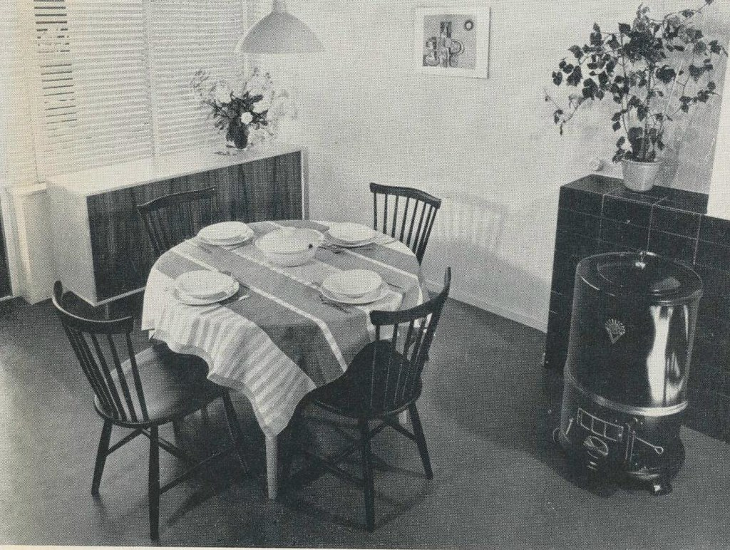 Interieur 1960 eetkamer janwillemsen flickr for Ministre interieur 1960