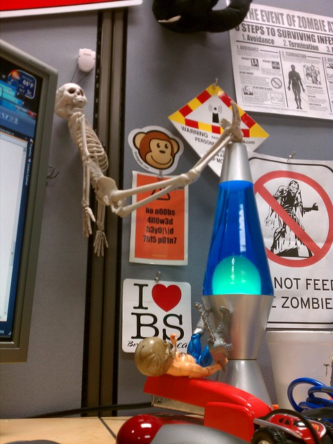 Office Toys For Geeks : I was gone for a few minutes and somebody rearranged my