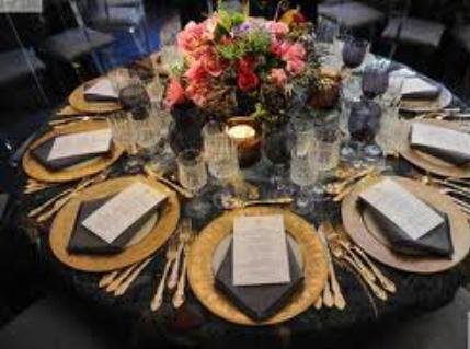 Table Setting Elegant Rounds With Brown And Coral Roses