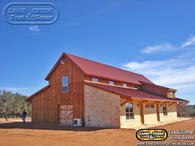 Western barn in tx sand creek post beam traditional for Texas pole barns