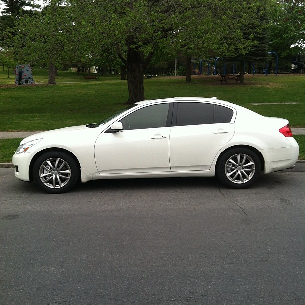 Infiniti g37 window tint 5 rear windows 15 front two for 2 5 window tint