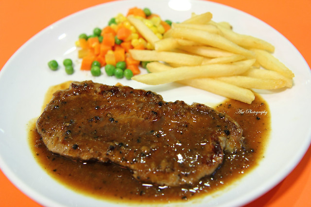 Black Pepper Steak | Hans Cafe (Changi Airport Budget Termin… | By ...