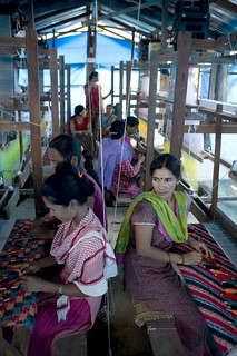 CEMBSUD Project Weaving Dhaka in shuttle loom Banke | by UNDP Nepal