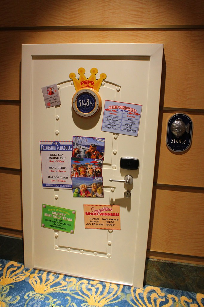 Pepe The King Prawn Stateroom Door For Muppets Adventure G