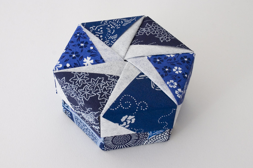hexagonal origami box with lid  17