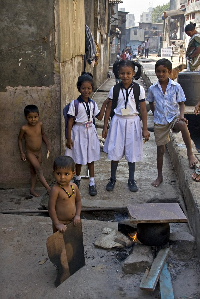 Our year in India: Slum children who wants to do more!