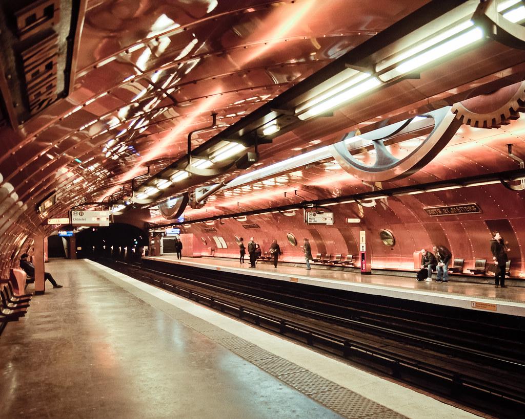 Arts et m tiers paris metro cool metro station in paris for Arts et decoration abonnement