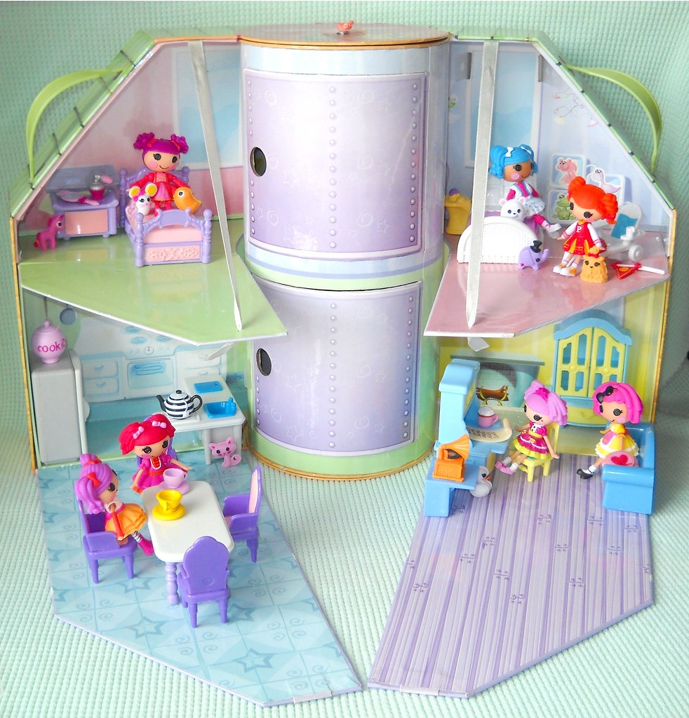 Lalaloopsy House I Bought This Lil Bratz House At A