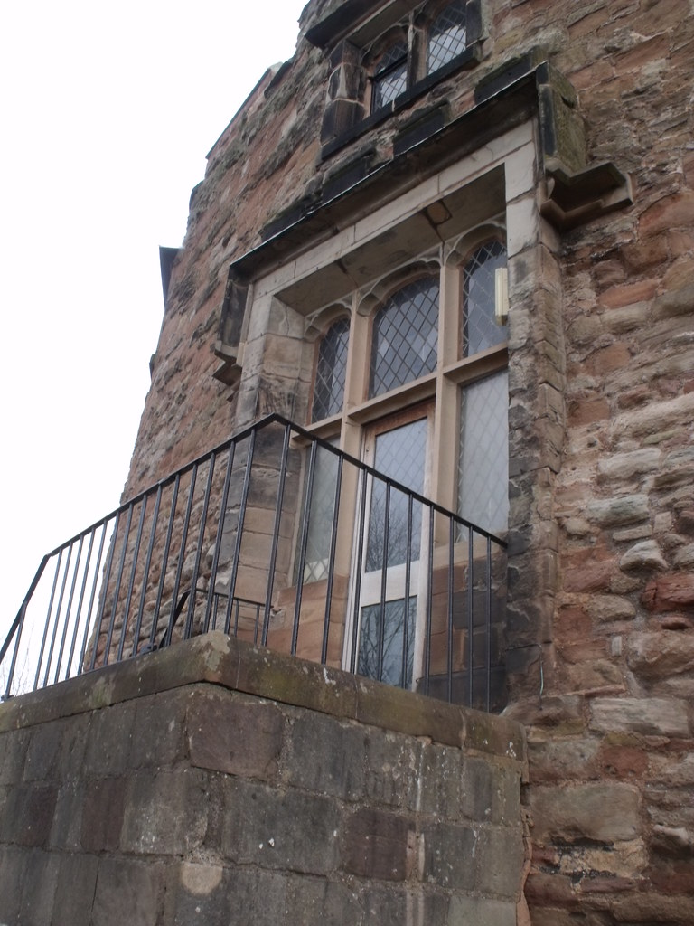 Tamworth Castle - windows - This is the historic Tamworth ...