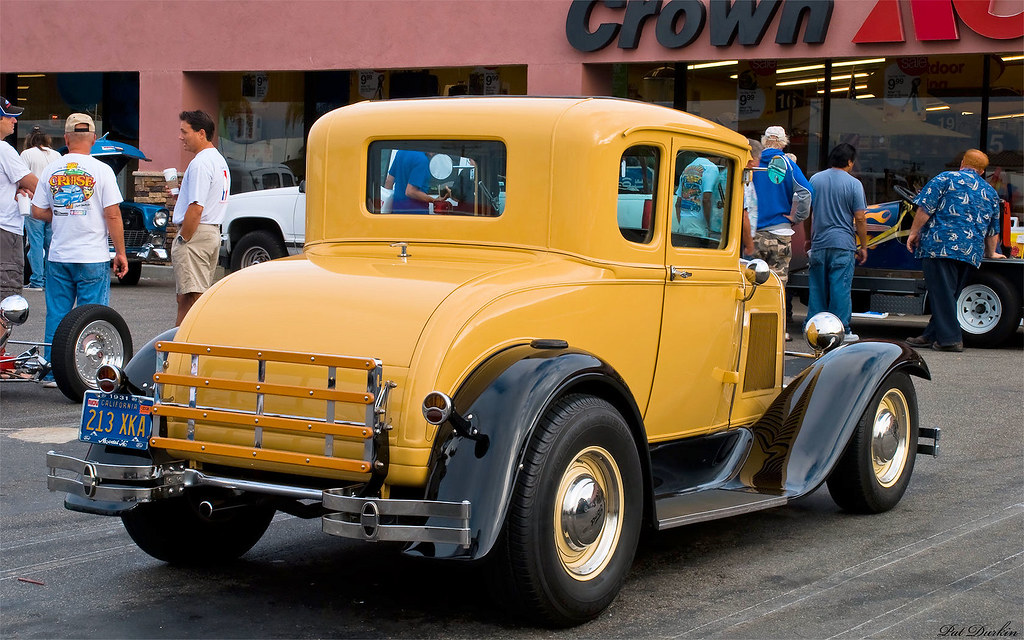 1931 ford 5 window coupe with 39 32 grille yellow black for 1931 ford 5 window