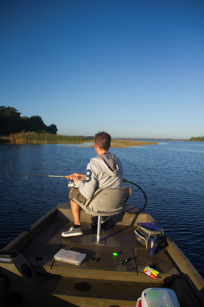 Florida march 2012 410 lake toho kissimmee florida for Lake kissimmee fishing report