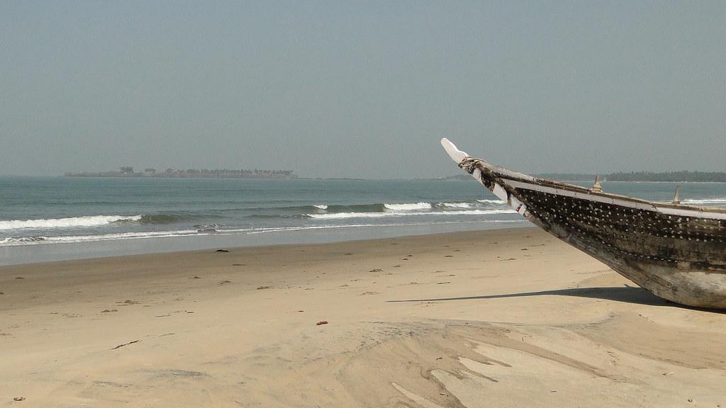 boat tarkarli beach arabian sea amp sindhudirg fort flickr