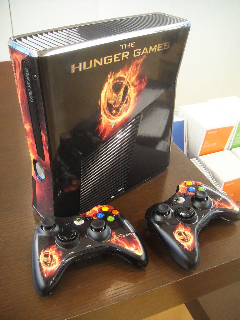 Xbox 360 Hunger Games : Hunger games mall tour xbox wrap photo pop