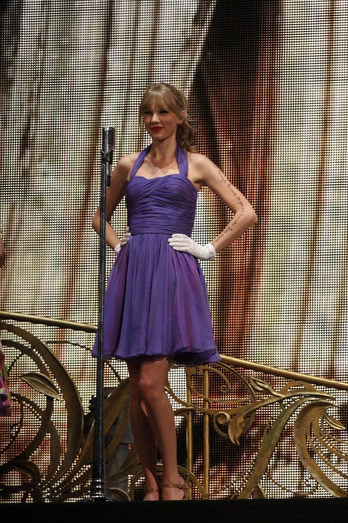 Taylor Swift | Taylor Swift Speak Now Tour Hots Sydney ...