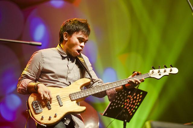 Belajar Bass Dari Barry Likumahuwa
