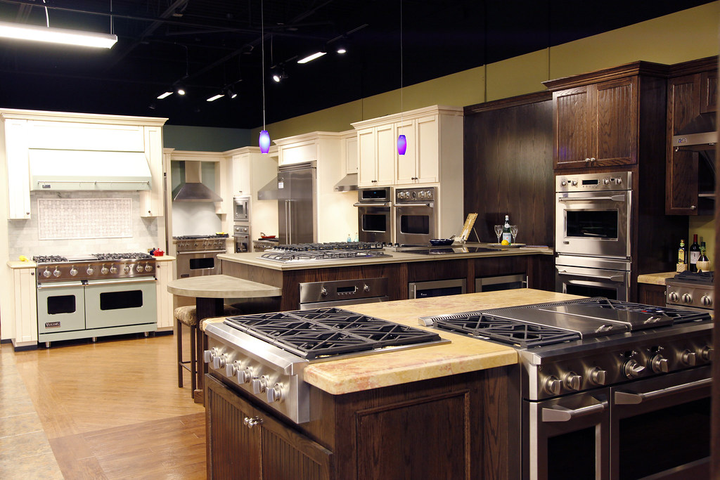 Professional Cooking Appliances ~ Viking appliances display range was the pioneer