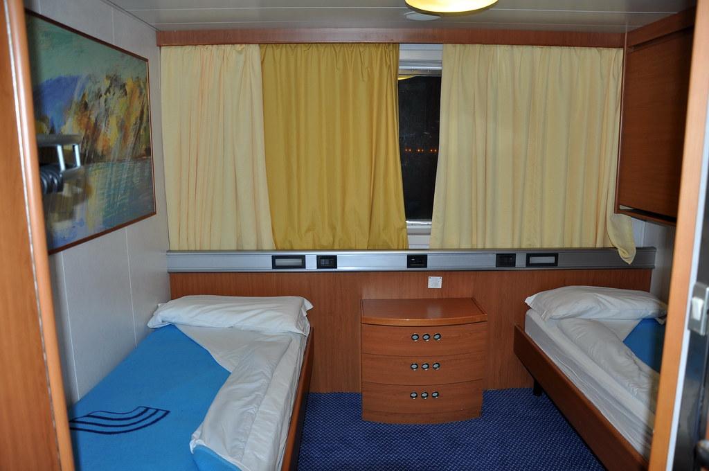 f hre genua palermo die kabine war unerwartet ger umig. Black Bedroom Furniture Sets. Home Design Ideas