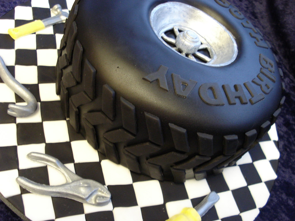 Car Tyre Cake A Cake For A Car Mechanic Really Enjoyed Ma Flickr
