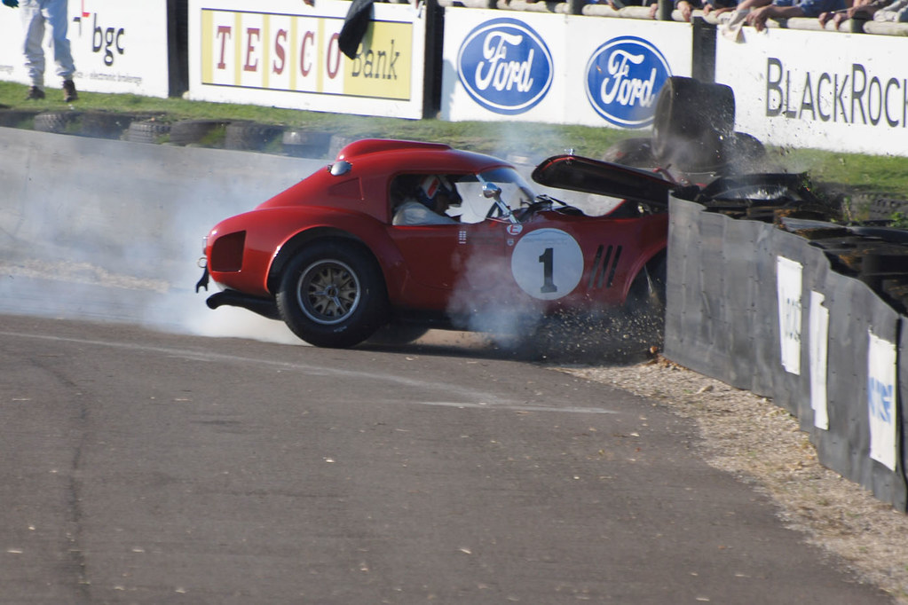 AC Cobra Crash - 2011 ...