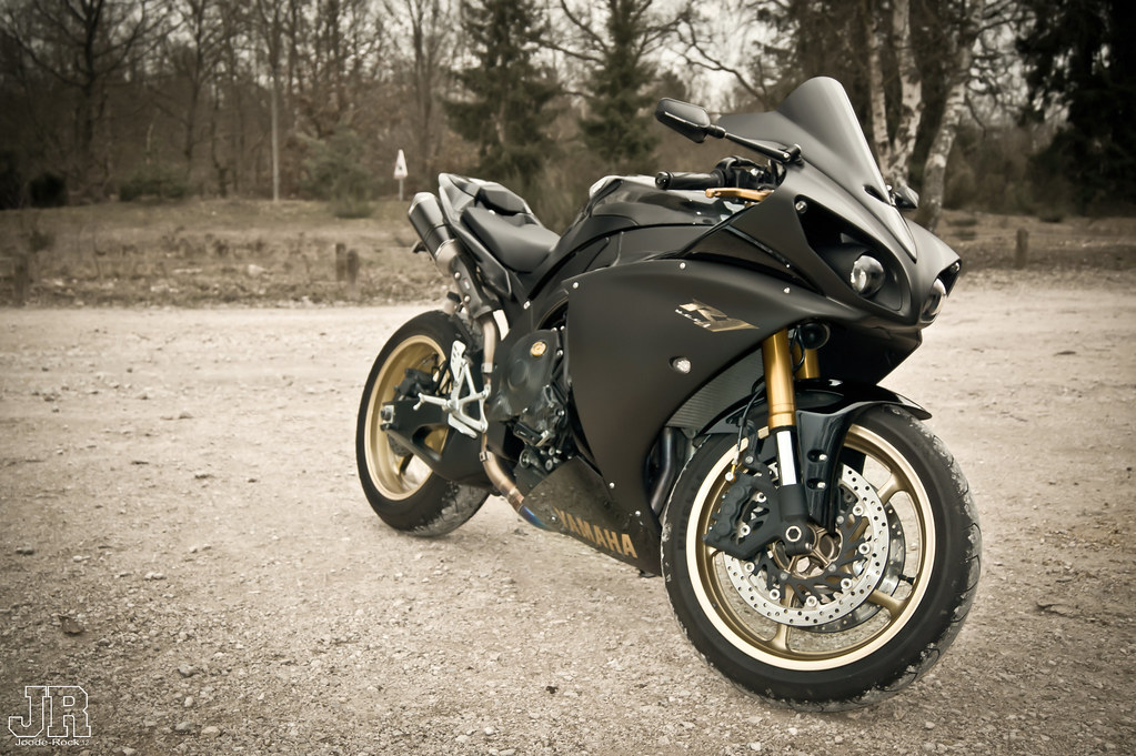 yamaha r1 crossplane rel guant sa devanci re la t ace au flickr. Black Bedroom Furniture Sets. Home Design Ideas