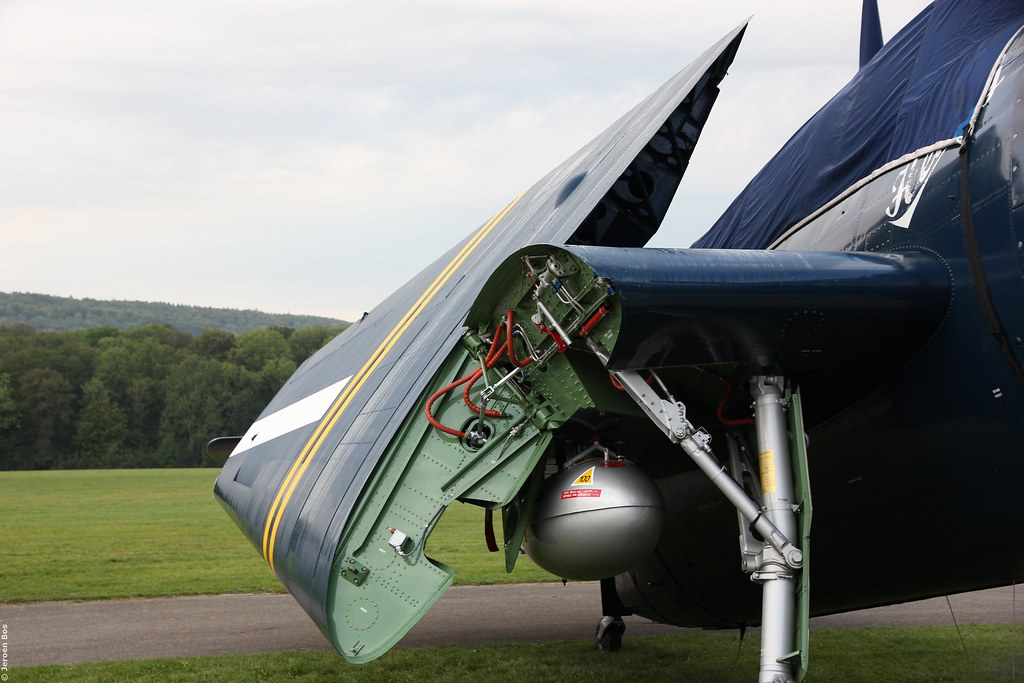 """Folding wing mechanism Grumman TBM-3R Avenger """"Charlie's H ..."""