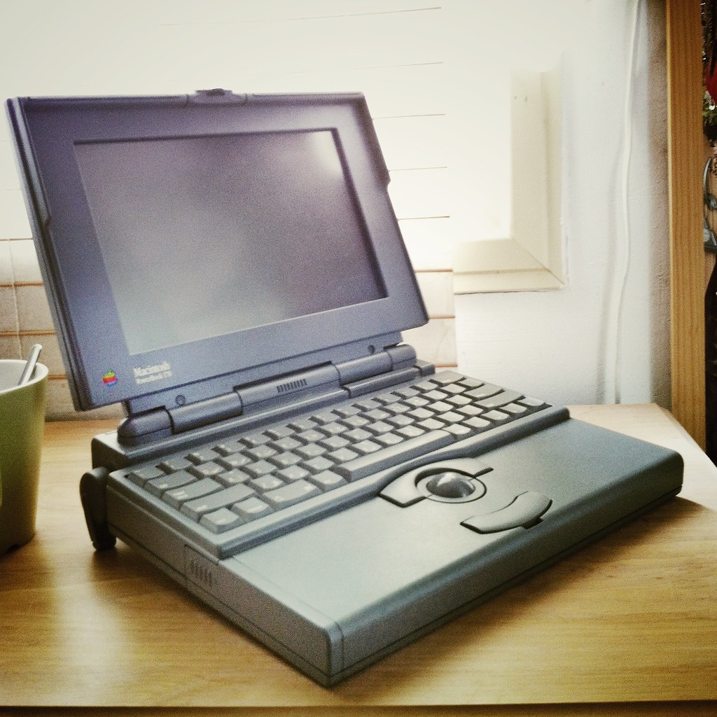 powerbook 170 first gen laptop from apple pinot dita flickr. Black Bedroom Furniture Sets. Home Design Ideas