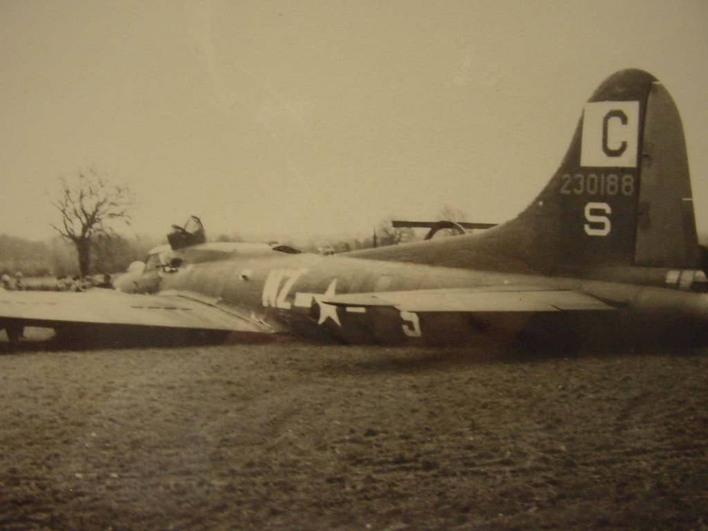 All Crash Parts >> 96th BG Boeing B-17F Flying Fortress after crash-landing ...