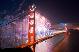 Golden Gate Bridge Fireworks: All the colors of the rainbow | by superoni