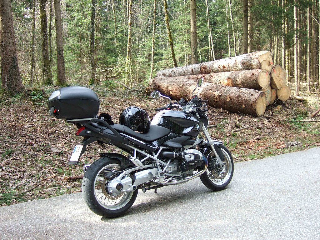 bmw r1200r classic dark forest salzburg austria. Black Bedroom Furniture Sets. Home Design Ideas