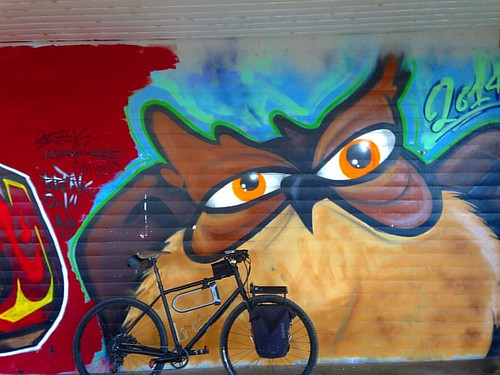 schnell schnell Basel VP and back mit #wearegoingawol #specialized #awol  #basel #grafiti #uhu voll dr #vogel