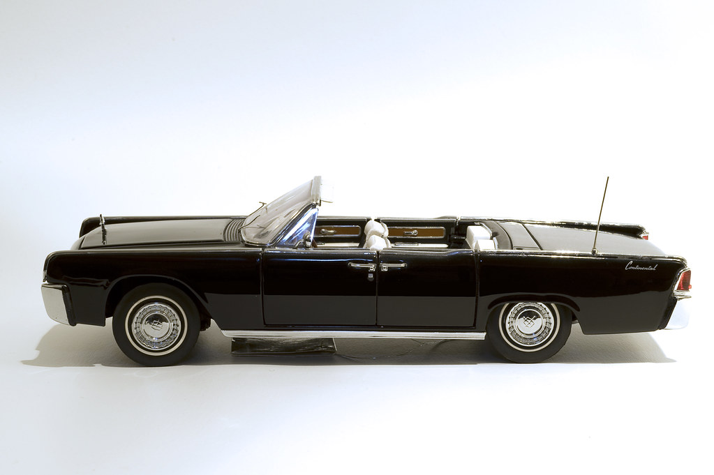 1963 lincoln continental convertible diecast model flickr. Black Bedroom Furniture Sets. Home Design Ideas