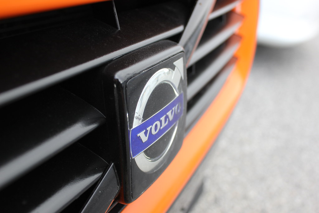 2008 volvo c30 t5 r design modified orange grill on a 2008 flickr. Black Bedroom Furniture Sets. Home Design Ideas