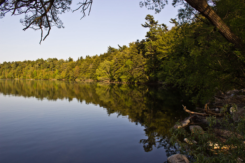 Bond Lake Richmond Hill Simoncamfly Flickr
