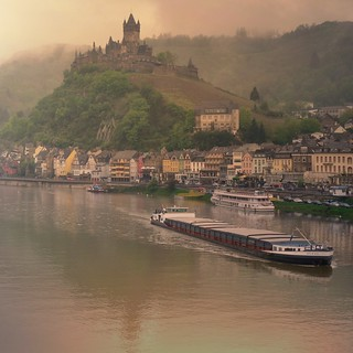 Mosel River and the Castle of Cochem | by B℮n