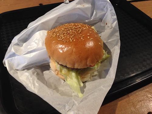 hokkaido-shari-shiretoko-5-lakes-shop-venison-burger01