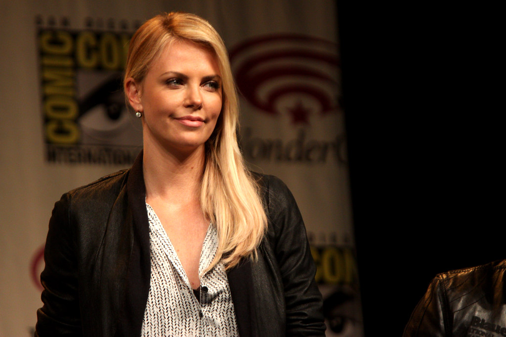 Who is charlize theron dating from modern family