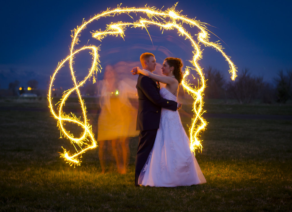 D7K 8968 Wedding Sparklers At A Walla Walla Wedding