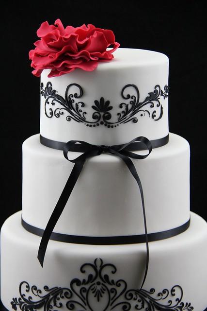 black on white stencil wedding cake flickr photo sharing. Black Bedroom Furniture Sets. Home Design Ideas